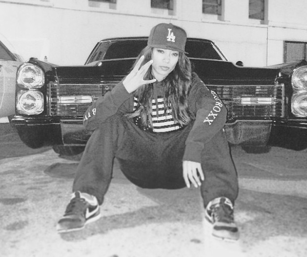 photo of Mila J  - car